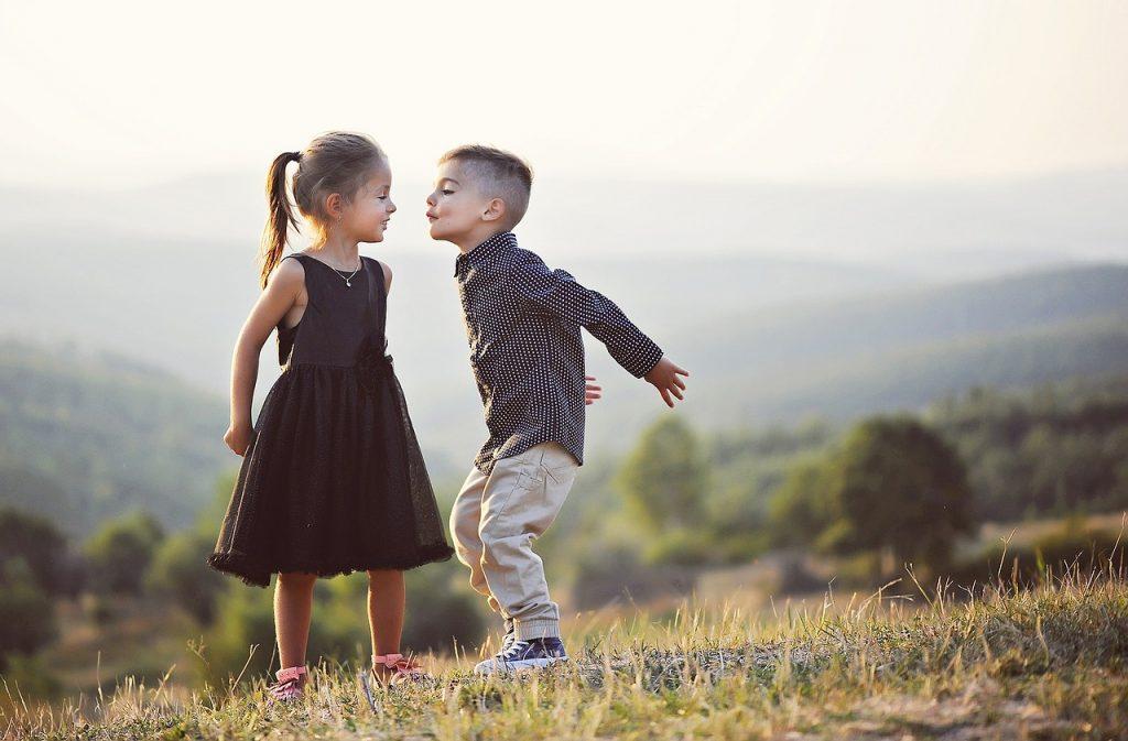 So küsst man richtig – Tipps für den ersten Kuss