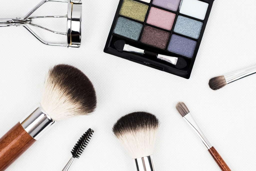 Geschminkt vs. Ungeschminkt