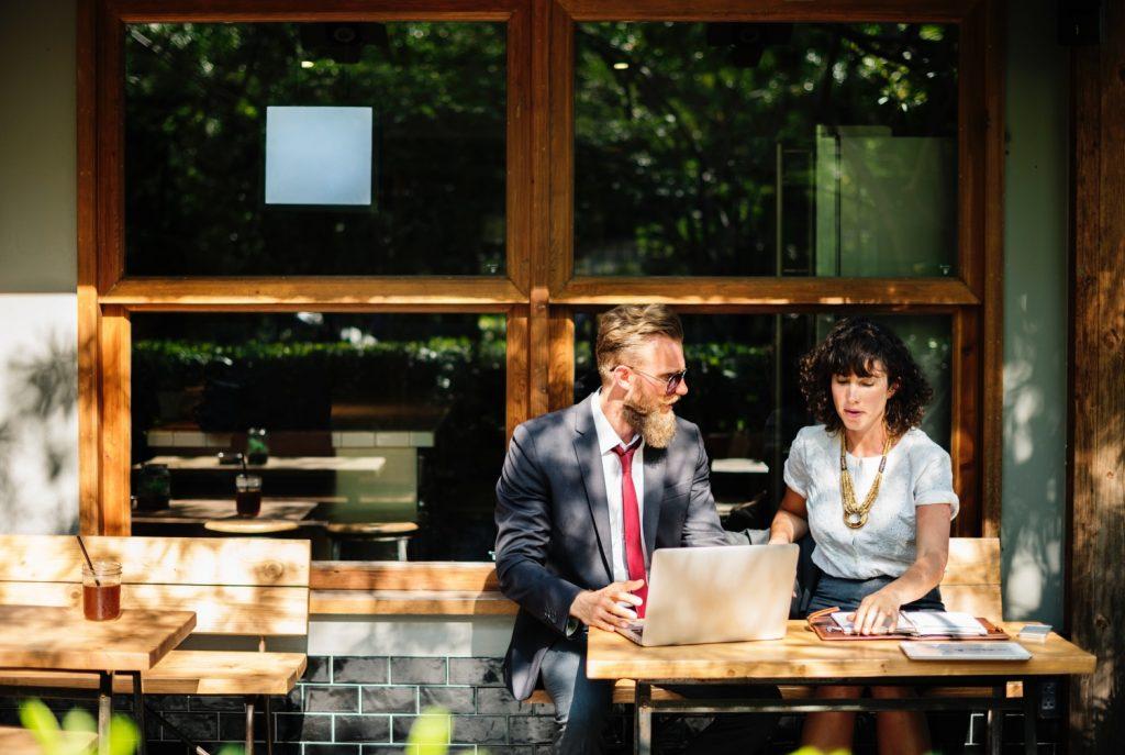 wieso die kostenpflichtige online Partnerbörse besser sind als kostenfreie online Partnerboersen