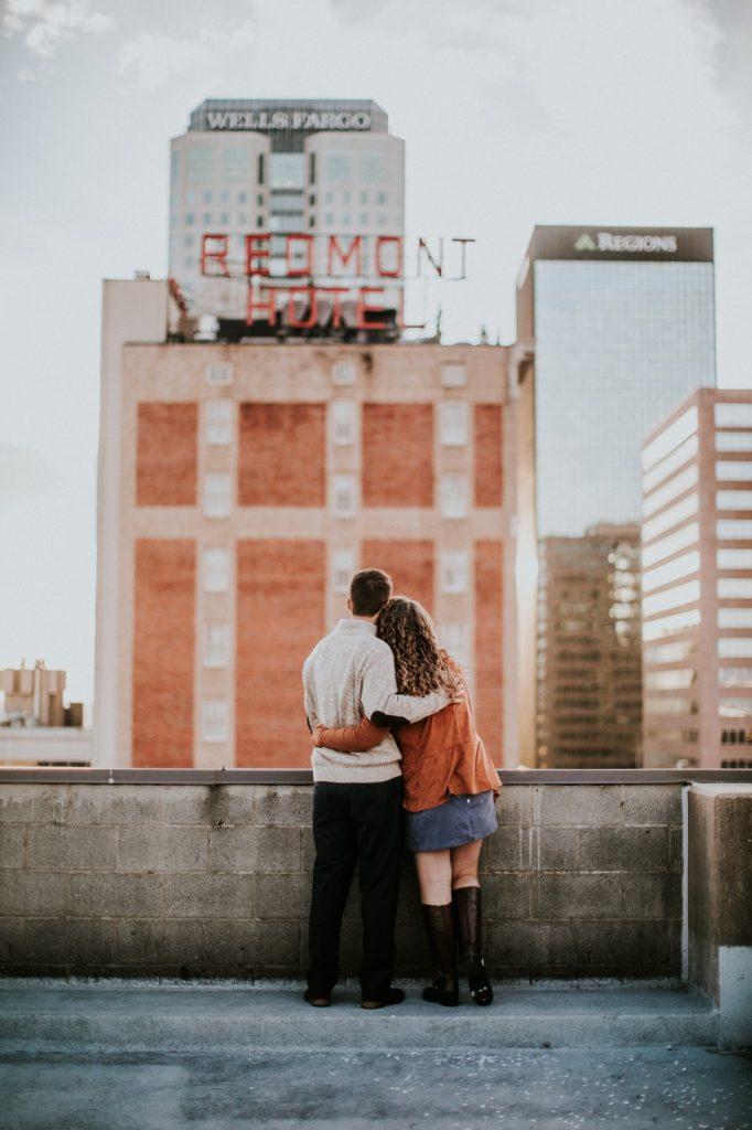Wieso nehmen wir in Beziehungen zu? - Singlely.net