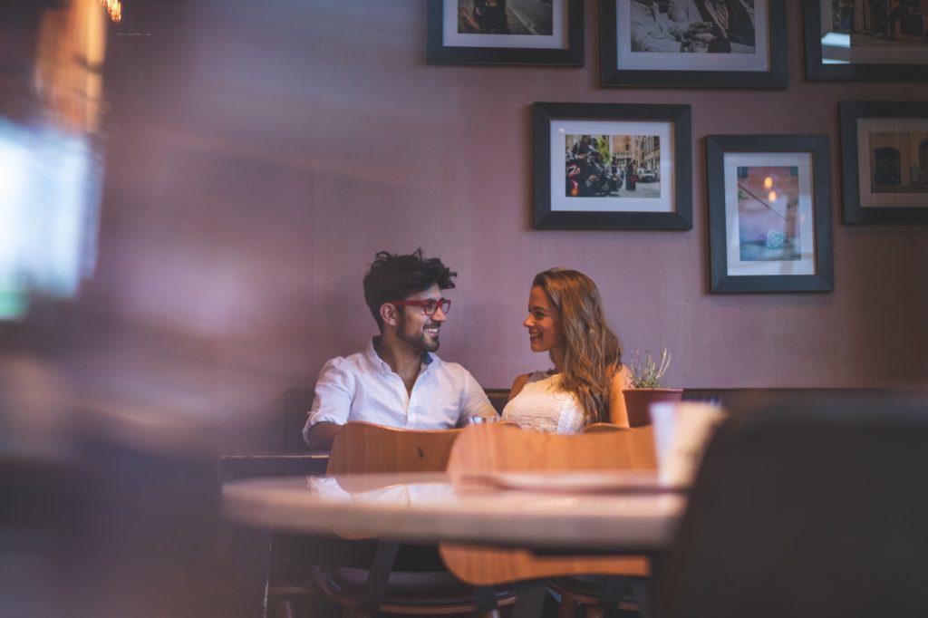 Online Dating für Digital Nomaden - So klappt es! - singlely.net