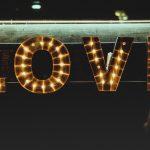 Wieso du Geld in die Liebe investieren solltest!