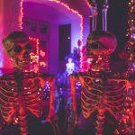 So lernst du auf einer Halloween Party Frauen kennenlernen